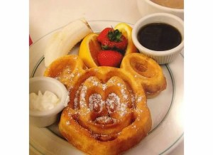 The infamous Mickey waffle!